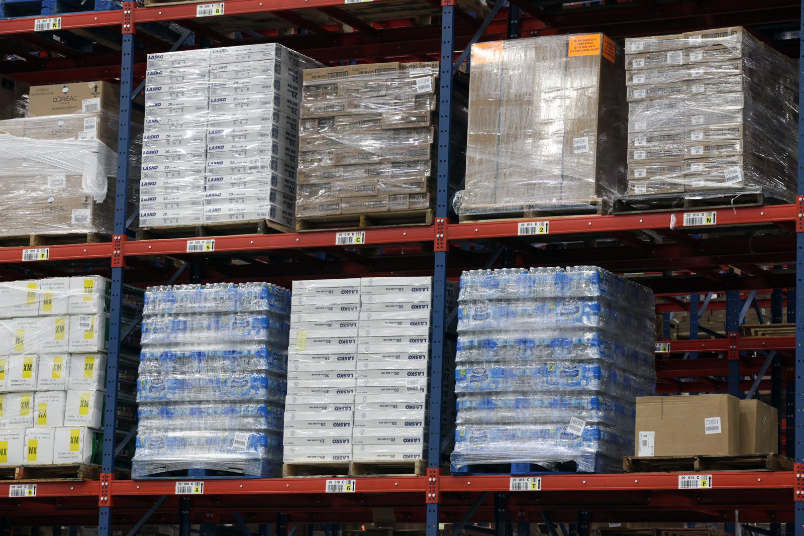 Frazier's Sentinel Selective Pallet Racking stores various retail stock keeping units (SKU's).