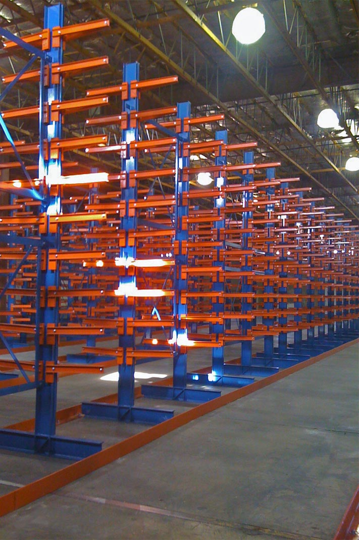 A Klampfast Cantilever® rack system with floor guides.